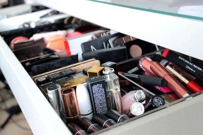 basic make up kit